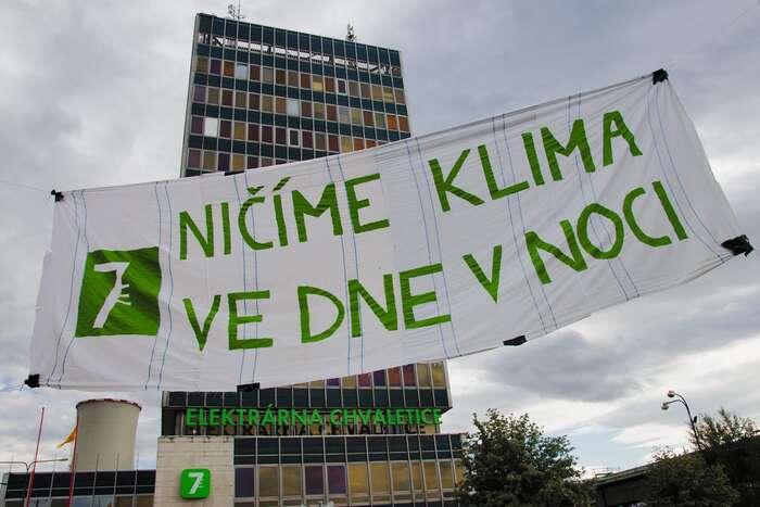 Krajský úřad vPardubicích udělil společnosti Sev.en uhlobarona Tykače výjimku nanadlimitní emise rtuti aoxidu uhličitého velektrárně Chvaletice. Foto Peter Tkáč