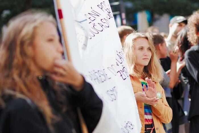 Současné stávky aprotesty vnesly dodiskuze důslednější, více hodnotově podložené, změny chování. Foto Peter Tkáč, DR
