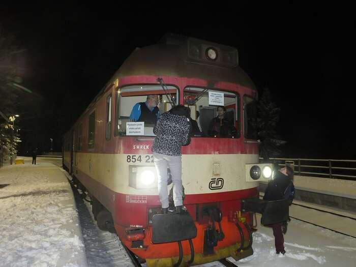S novoročními změnami sena železnici znovu objevily ijiž vyřazené soupravy. Foto Jaroslav Wagner, FB