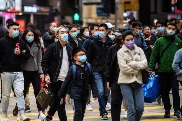 Na současném šíření paniky, která postupuje mnohem rychleji než virus sám, mají přitom média klíčový podíl. Repro DR