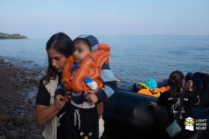Vylodění jeteprve začátek, ani poté uprchlíky nečeká bezpečí. Foto Lighthouse Relief
