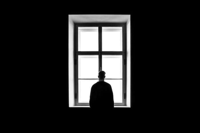 Osamělost jepocit, kdy máme méně hodnotných vztahů, než bychom chtěli mít. Foto Sasha Freemind