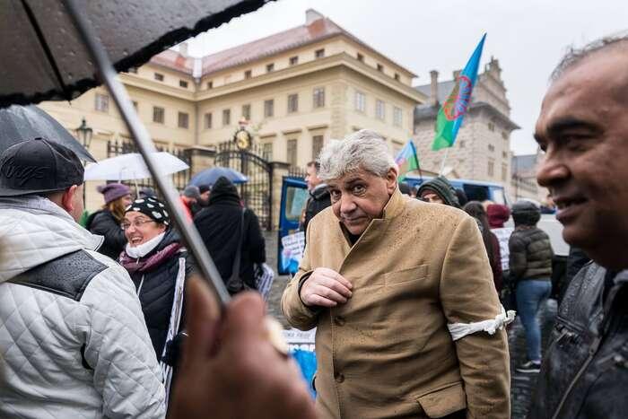 Romský aktivista Jozef Miker strávil jednatřicet let našachtě, dnes jevinvalidním důchodu. Foto Roma Pride