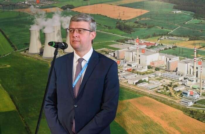 V návrhu zákona sepíše, jaderná energetika má schopnost zajistit levné dodávky elektrické energie. Jde ozavádějící tvrzení, které popírá nutnost předložení toho zákona, oponují Karlu Havlíčkovi úředníci ministerstva životního prostředí. Pokud byprý byla levná, nebylo bytřeba garantovat její výkupní cenu. Foto Twitter @KarelHavlicek_
