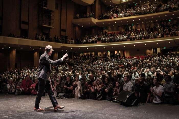Psychologové typu Jordan Peterson mají véře sociálních sítích miliony sledujících. Coztoho plyne pro nás ostatní, kteří voboru pracujeme? Foto Sott.net