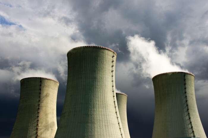 Museli bychom být optimisté nahranici rozlišovacích schopností, abychom přijali, že příspěvek jaderné energie bude vroce 2030 přesahovat 5,5 procent - jenom toby daňové poplatníky nacelém světě stálo nepředstavitelné částky. Repro DR