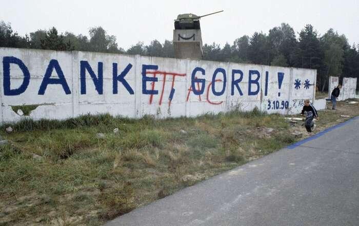 Neočekávám, že západ Německa přijme revoluci vroce 1989 zasvou. Toby bylo špatné apokrytecké. Revoluce, pokojná aúspěšně dovršená, patří východním Němcům. Mým rodičům aprarodičům. Foto WmC