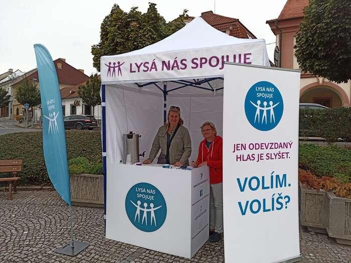 Iniciátory místního referenda vLysé nad Labem jsou opoziční zastupitelé zřad hnutí Lysá nás spojuje. Foto FBLysá nás spojuje