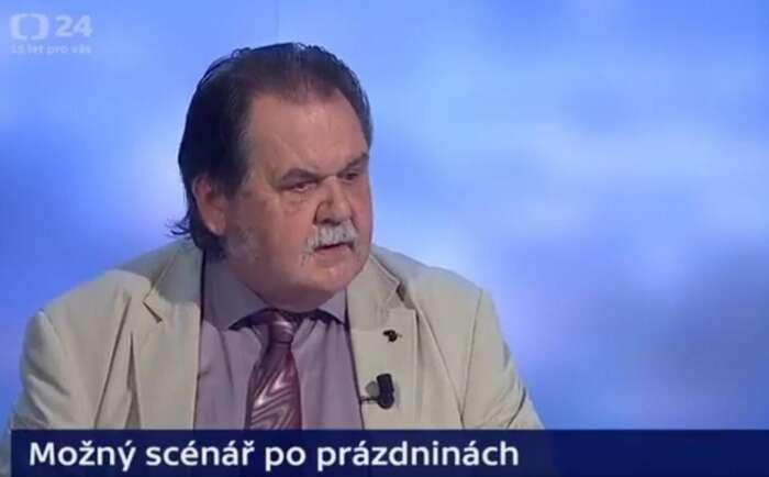 """Odbornost voblasti onkologie přinesla přednímu kritikovi """"roušek"""" Janu Žaloudíkovi soustavnou pozornost. Akritika roušek sedost možná proměnila vpreferenční hlasy. Repro DR"""
