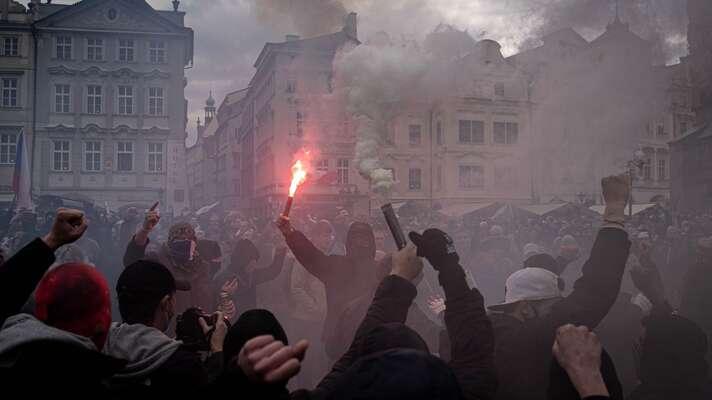 O pár dní před Prahou seřádilo vBratislavě, před tím zase vBerlíně. Foto BT