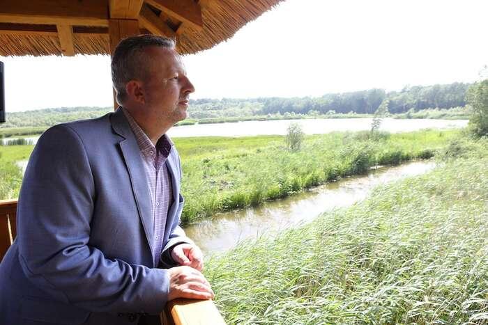 Ministr Brabec čelí podezření, že jeho resort neshromáždil včas důkazy omožném viníkovi havárie naBečvě aže odněj aktivně odváděl pozornost. Foto FBMŽP