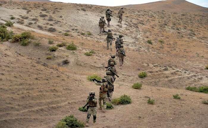 Ázerbájdžán disponoval vkonfliktu přibližně dvakrát větší vojenskou silou avýrazně modernější technikou. Doslova symbolem letošní války sestaly drony, bezpilotní stroje izraelské aturecké produkce. Foto MoDA