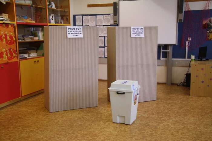 Přijetí volebního zákona vyžaduje shodu většiny poslanců asenátorů, přičemž Sněmovna nemůže vtéto věci Senát přehlasovat. Foto WmC