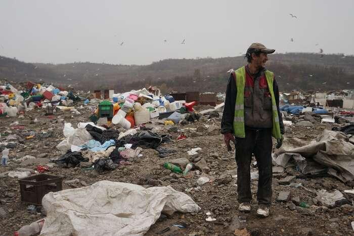 Skládka jeproblém také sociální, poskytuje nuznou obživu tisícům lidí. Foto Benoît Collet