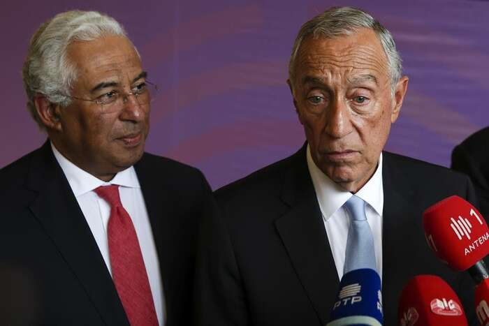 Portugalský premiér Costa (vlevo) sprezidentem deSousou. Foto Postal.pt/DR