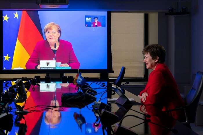 Nikdo naceloevropské, natožpak načeské, úrovni, nedokázal projevit státnický umjako německá kancléřka Angela Merkelová. Foto Cory Hancock, IMF Photo