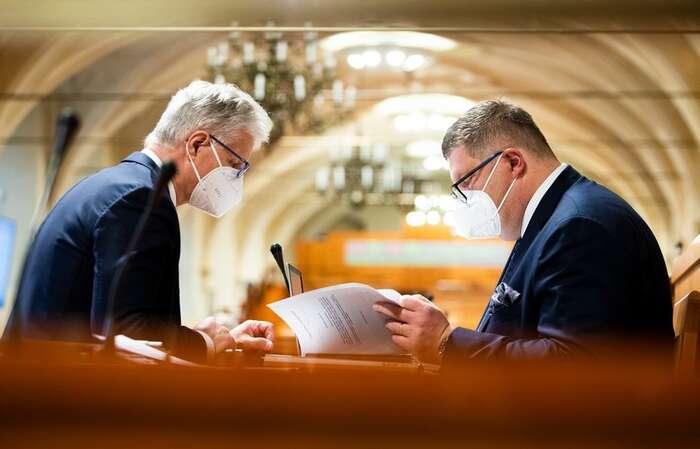 Senátoři hodiny debatovali okorespondenční volbě, samou podstatou nového volebního zákona seprakticky nezabývali. Foto Senát PČR