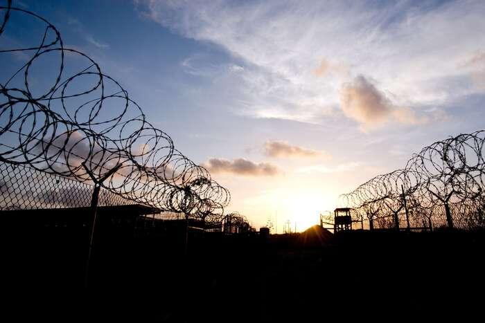 Věznice Guantánamo především symbolizuje rozporuplný vztah USA klidským právům avýrazně snižuje legitimitu požadavků nadodržování lidských práv jinými zeměmi. Foto Mladen Antonov, AFP