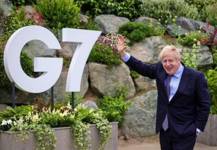 """Chce-li Boris Johnson pokorporacích, aby """"pravdivě apravidelně"""" informovaly odopadu svých aktivit nazměny klimatu, jetřeba semít napozoru před greenwashingem. Foto Twitter Boris Johnson"""