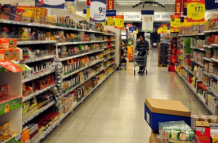 Zaměstnance supermarketů trápí nejistota:dohody opracovní činnosti, dohody oprovedení práce, agenturní zaměstnávání... Foto Michal Šindelář, DR