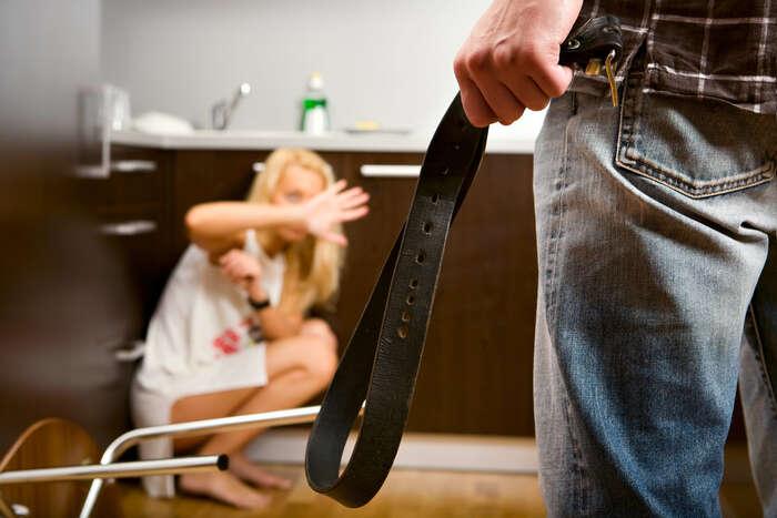 Až pětina Slovenek zažije domácí násilí astovky žen ročně jsou znásilněny. Odroku 2010 zemřelo naSlovensku čtyřicet žen rukou svého partnera. Foto archiv DR